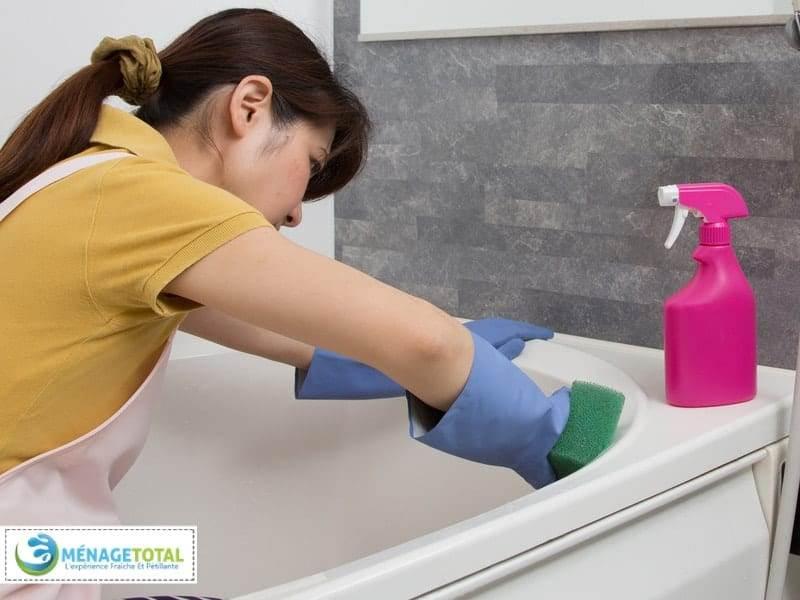 Bath tub rings cleaning
