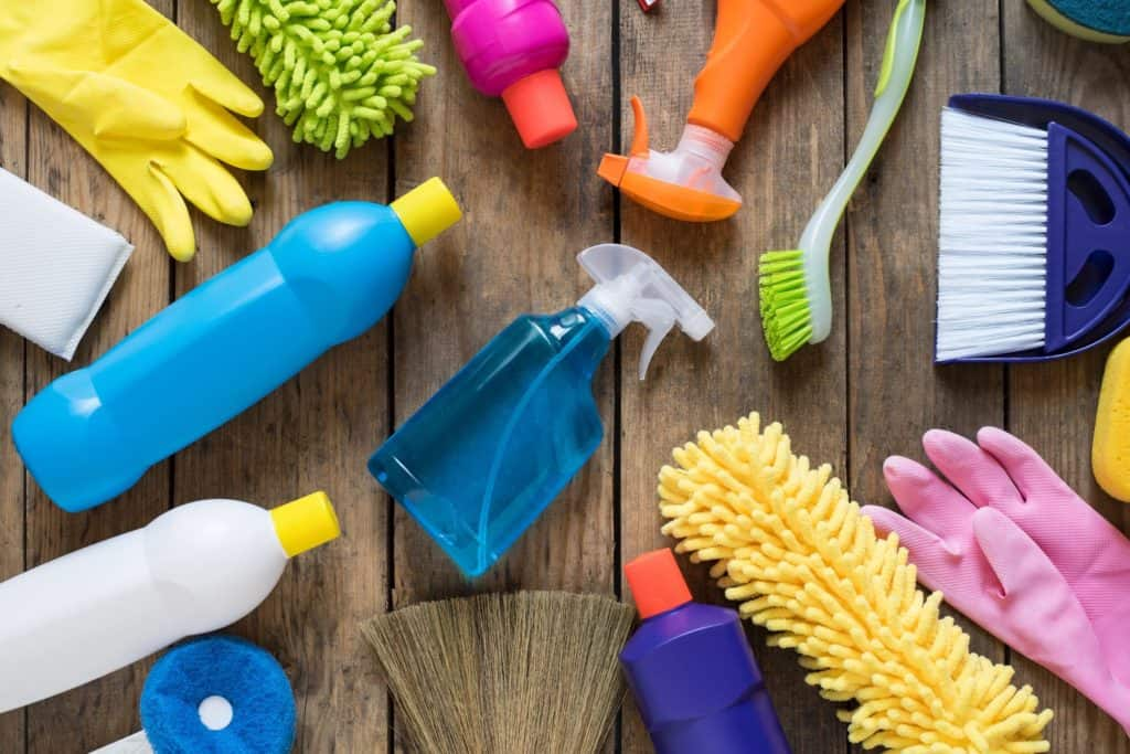 Cleaning the Home with a House Cleaning Service